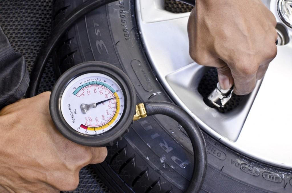 Nicht vergessen: Reifendruck messen